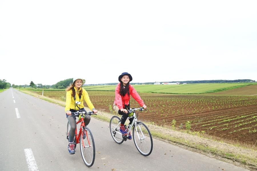北海道の雄大な景色をとことん味わうサイクリング